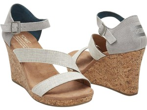 TOMS Wedge Sandal Grey/White Wedges