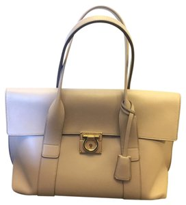 Salvatore Ferragamo #sookie Tote in Almond