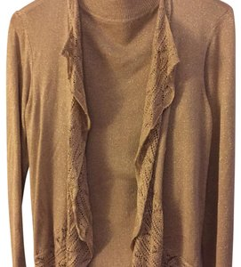 Chico's Top Soft gold