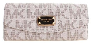 Michael Kors Michael Kors Jet Set Item Flap Wallet