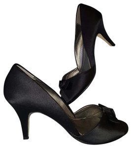 Kenneth Cole Reaction Heels Fabric Upper Leather Black Pumps