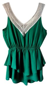 Modcloth Shortsleeve New Top Green & White