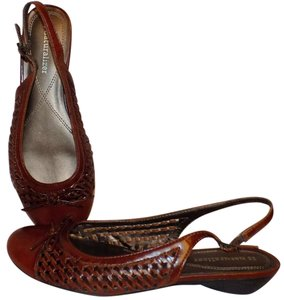 Naturalizer Leather Detail Classic Woven Brown Sandals