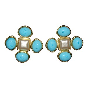 Chanel Chanel Turquoise Gripoix and Pearl Earrings