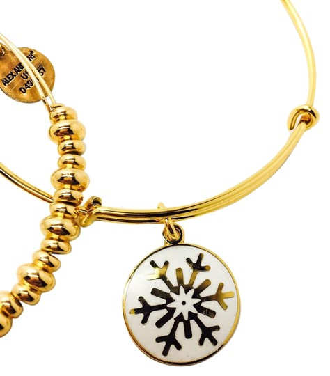 Promoting positive energy, Alex and Ani offers a wide range of products including Up To 60% Off Sale Items· Accepts Bitcoin· Spring Arrivals Are Here· Top Trending Brands11,+ followers on Twitter.