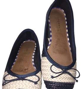 Sperry Navy & Ivory Flats