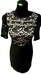 Sandra Darren 3/4 Sleeve Knee Length Festive Lace Sheath Dress
