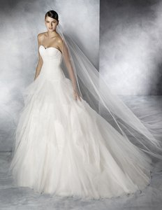 Jadelin Wedding Dress