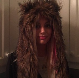 Neiman Marcus Adorable Vegan Fur Winter Hat w/ Mittens Neiman Marcus