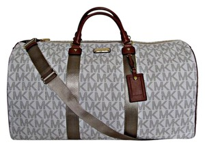 Michael Kors Duffle Pvc Signature Vanilla Travel Bag