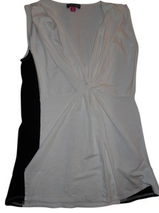 Vince Camuto Sleeveless V-neck Work Top Black and White
