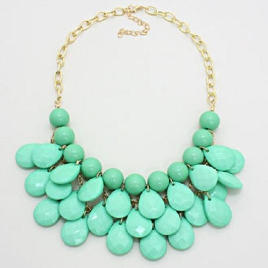 Other Mint Green Teardrop Statement Bib Necklace Set and Jewelry Bag Image 1