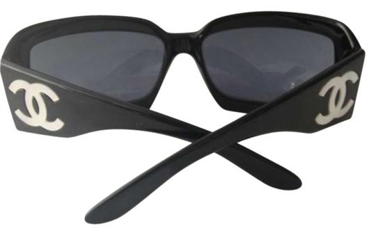 Preload https://img-static.tradesy.com/item/202778/chanel-black-mother-of-pearl-cc-sunglasses-0-0-540-540.jpg