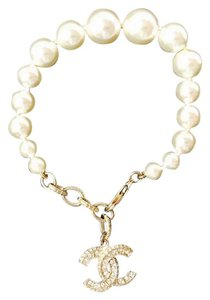 Chanel Full Packaging! Brand New Bracelet Gold CC Swarovski and Pearls 2016