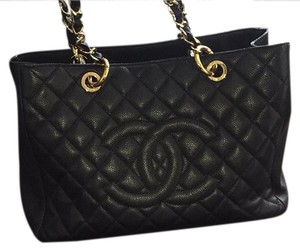 abb25518d87c Chanel Shopping Bags - Up to 70% off at Tradesy