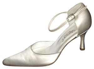 Versani White Pumps