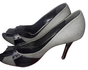 Bottega Veneta Made In Italy Size 8 Open Toe Black / Grey Pumps