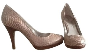 Alfano Beige Pumps