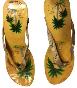 Woodies Tan with green palm trees Sandals