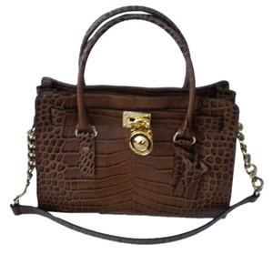 Michael Kors Hamilton Medium Satchel in brown