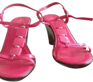Nine West Fushia Sandals