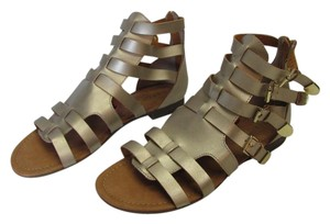 REPORT Brand New Size 9.50 M Excellent Condition Gold Sandals