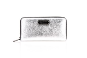 Marc Jacobs * Marc Jacobs Vertical Zippy Leather Wallet