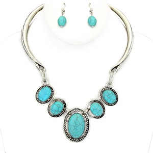Semi Precious Turquoise Silver Necklace Collar Bib Pendant and Earring Set