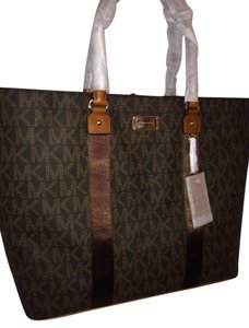 Michael Kors Jet Set Travel Mk Totes Signature Brown Travel Bag