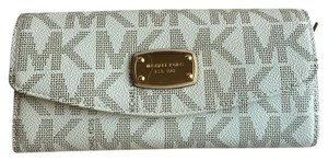 Michael Kors Jet Set Signature Slim Flap Wallet Vanilla
