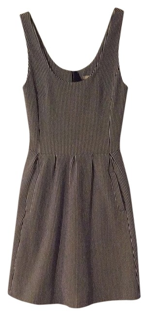 Preload https://item4.tradesy.com/images/banana-republic-navy-white-workoffice-dress-size-0-xs-2028178-0-0.jpg?width=400&height=650