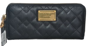 Marc by Marc Jacobs NWT MARC BY MARC JACOBS ZIP AROUND CONTINENTAL WALLET CLUCTH BAG M0005093 BLACK