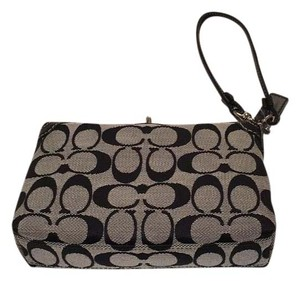 e876ff419987 Coach Wristlets - Up to 70% off at Tradesy