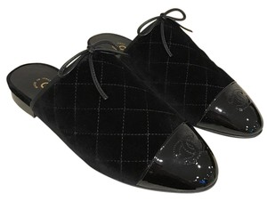 Chanel Velvet Quilted Mule Classic black Flats