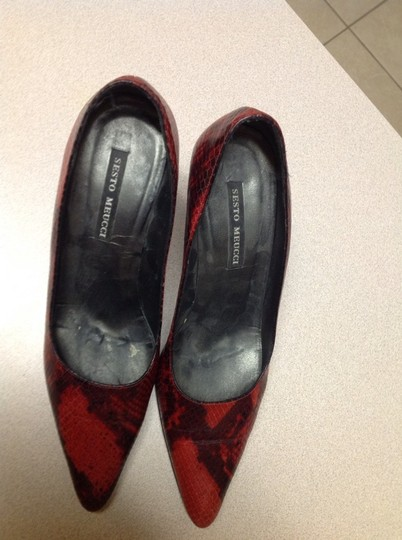 Sesto Meucci Red Black Pumps