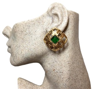 Chanel Authentic CHANEL 1988 Vintage Green Gripoix CC Large Clip On Earrings