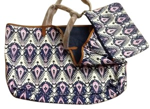 Stella & Dot & Beach Holiday Gift Tote in Blue multi