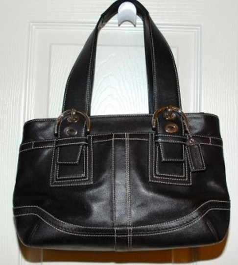 Preload https://item1.tradesy.com/images/coach-black-leather-tote-20285-0-0.jpg?width=440&height=440