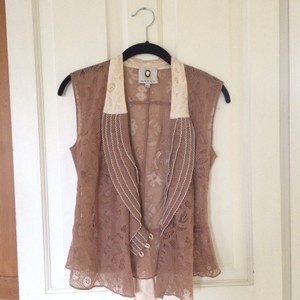 Mayle Top Warm tand and cream