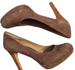 Banana Republic Brownish Pumps