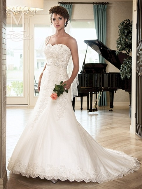 Item - Ivory / Multi Re-embroidered Lace & Tulle Unspoken Romance6217 Feminine Wedding Dress Size 8 (M)