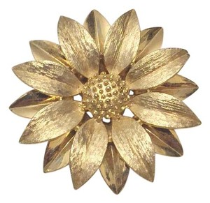 Sarah Coventry Vintage Sarah Cov Floral Flower Gold Tone Leaf Brooch Pin