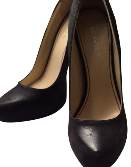 Preload https://item1.tradesy.com/images/enzo-angiolini-black-pumps-2028885-0-0.jpg?width=440&height=440