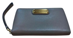 Marc by Marc Jacobs Marc by Marc Jacobs Medium-sized Wallet in Cement. NWT!!