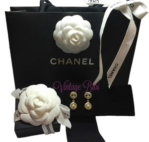 Chanel CHANEL 2016 brand new cc gold pearl dangling earrings full package