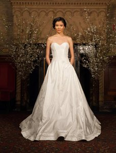 Austin Scarlett Cora As52 Wedding Dress