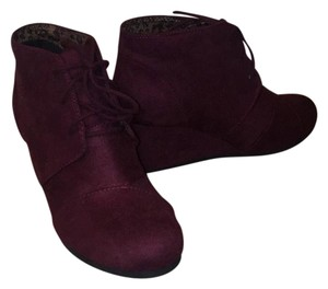 City Classified Maroon Boots