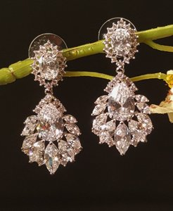 Exquisite Marquise Cubic Zirconia Earrings Pierced White Gold Plated
