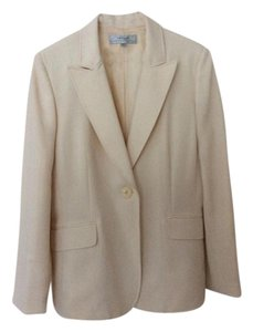 Tahari Nice suit jacket