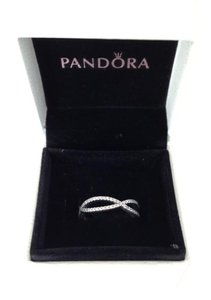 PANDORA Pandora crossing paths ring